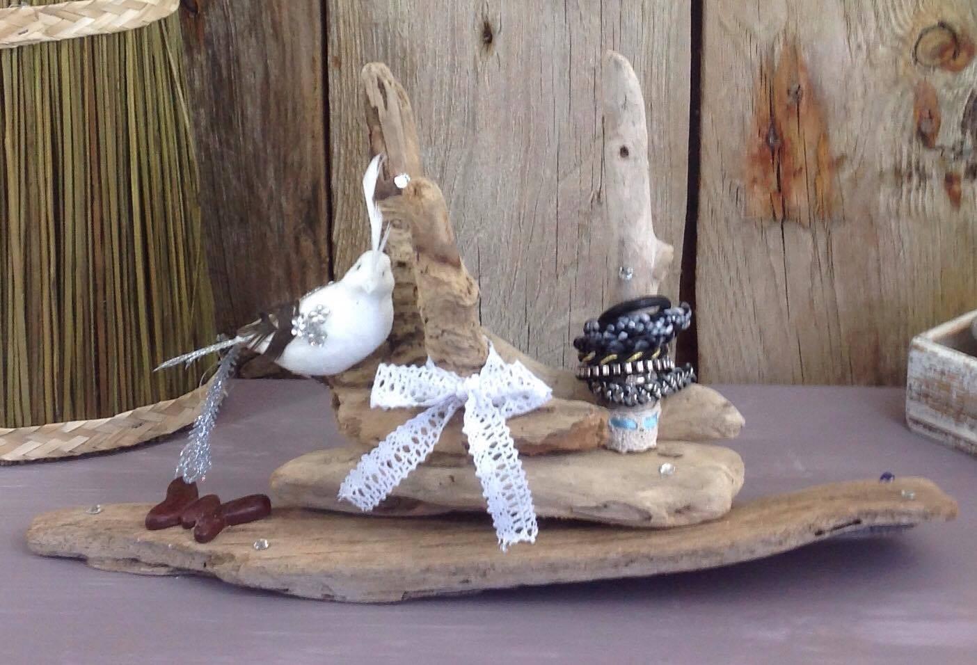 Bois Flotté Porte Photo porte bijoux ( bracelets et bagues ) en bois flotté -  https://www.tethysart