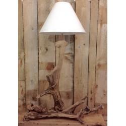 magnifique lampe en bois flotté