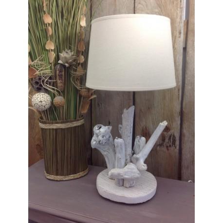 Lampe en bois flotté coeur osier blanc