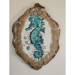 Hippocampe sur bois flotté et toile de jûte